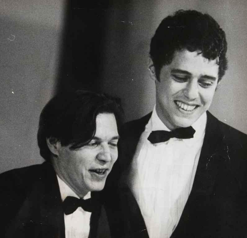 Tom Jobim e Chico Buarque durante o Festival Internacional da Canção (FIC), em 1968