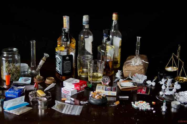 Debates abordam doenças e lesões causadas por álcool, tabaco, maconha, cocaína e LSD