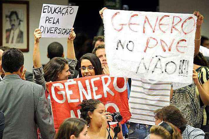 Discursos contra e a favor da abordagem de gênero no Plano Nacional de Educação mobilizaram sociedade civil durante a tramitação da proposta