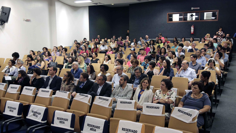 Público acompanhou cerimônia no Auditório Neidson Rodrigues