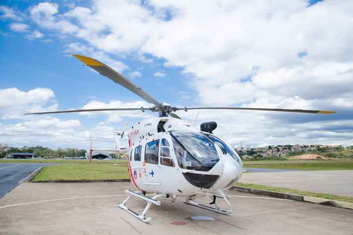 Helicóptero equipado com UTI: