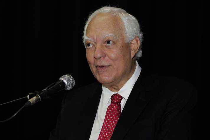 Robson Santos, professor emérito da UFMG, lança o álbum 'Fermento'
