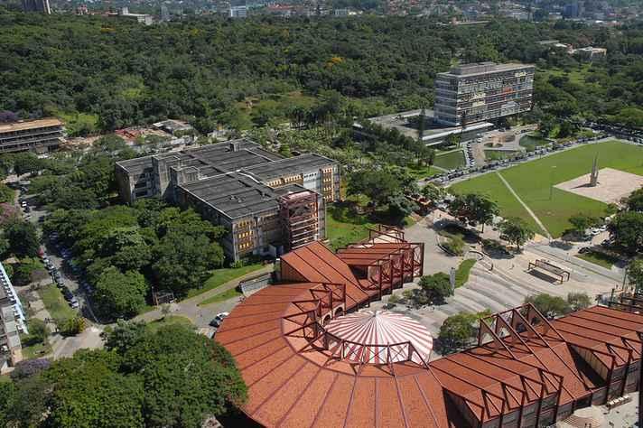 Vista área do campus Pampulha, onde estão concentrada a maioria das unidades da UFMG