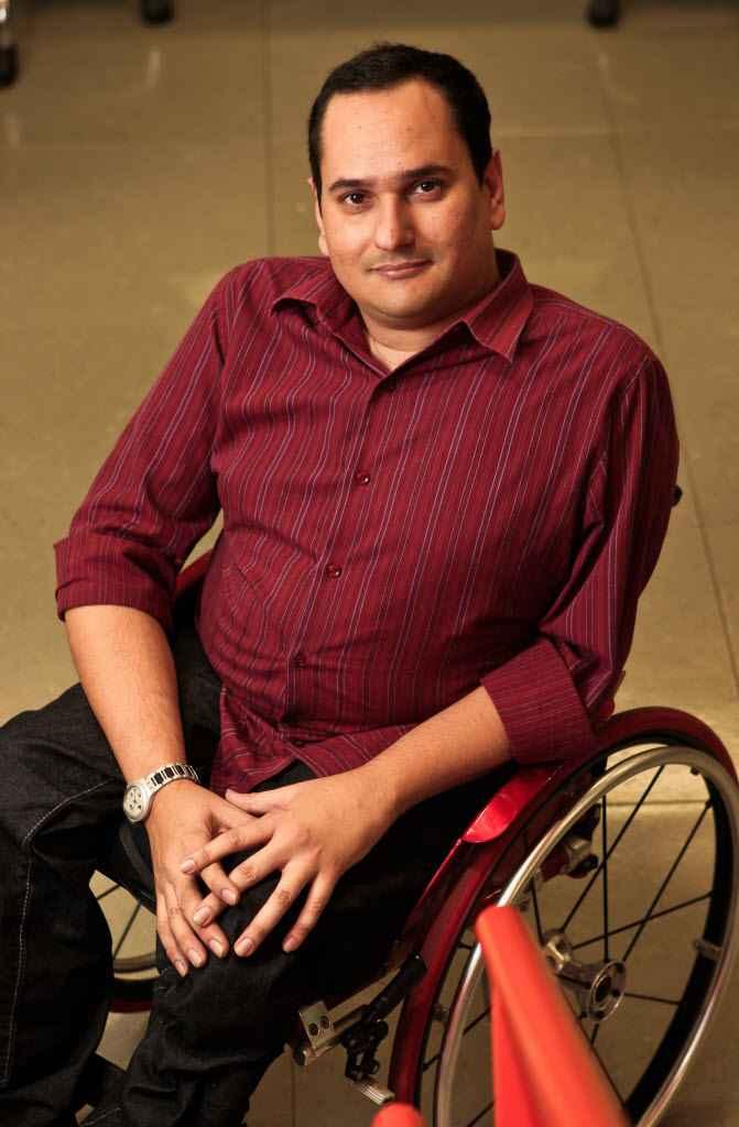 Jairo Marques vai autografar o livro Malacabado, a história de um jornalista sobre rodas