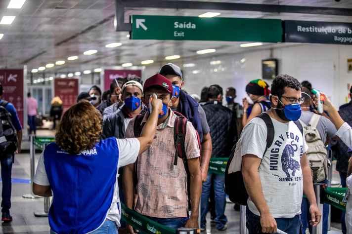 Atividade de prevenção da Covid-19 realizada no aeroporto de Belém, no Pará