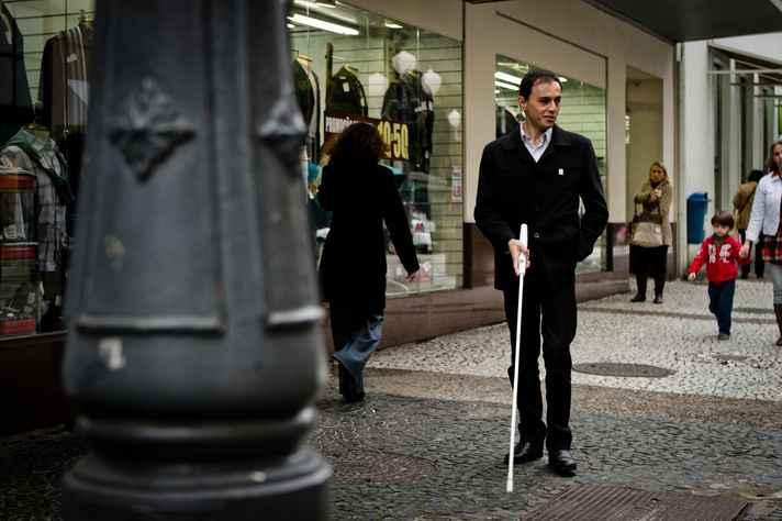 Bengala para cegos em desenvolvimento na Univale contou com apoio da Finep para obter patente do protótipo