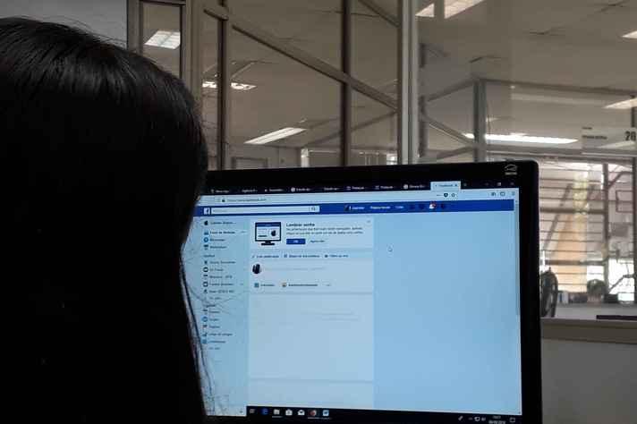 Facebook faz cadastro de candidatos que querem anunciar na rede