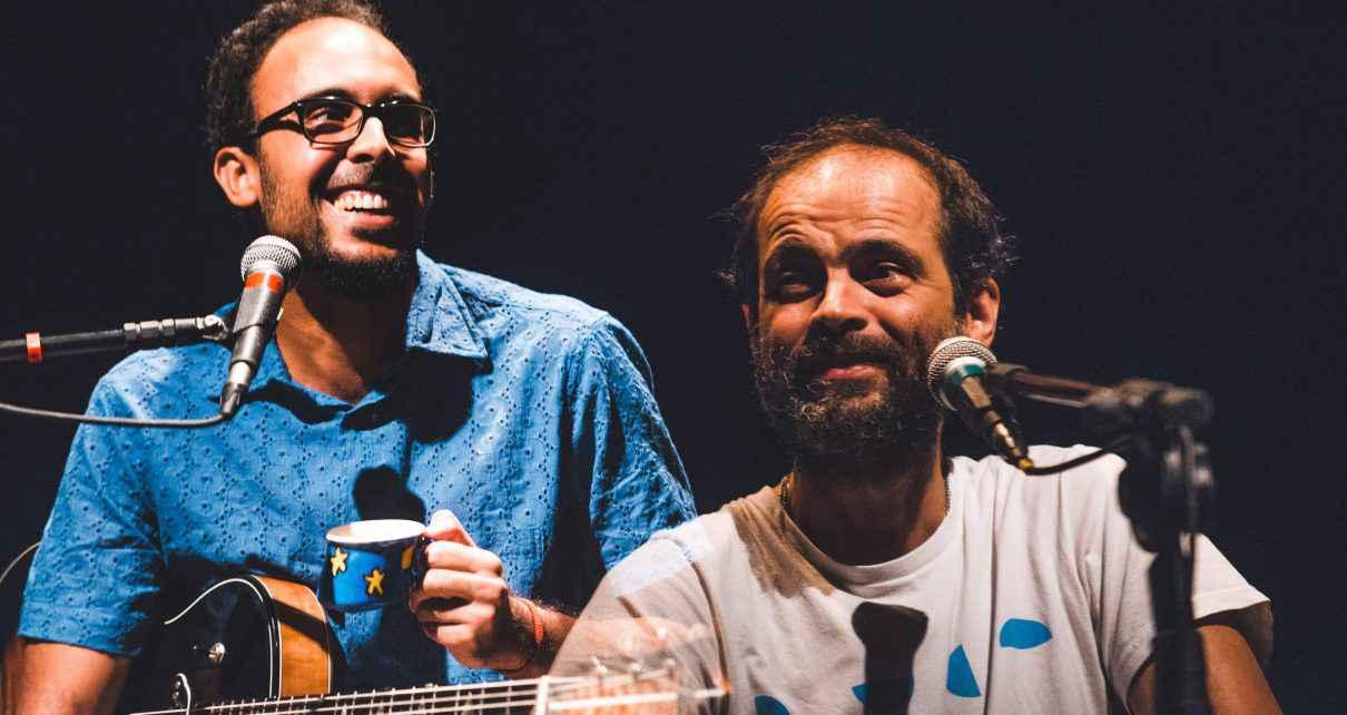 Bem Gil e Moreno Veloso reúnem composições próprias em show intimista