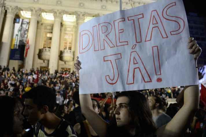 Protesto contra o impeachment no Rio de Janeiro: para José Murilo de Carvalho, novo presidente terá um mandato turbulento