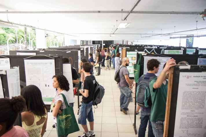Exposição de pôsteres da edição do ano de 2015 da Semana do Conhecimento