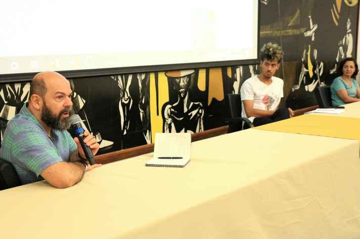 Guilherme Prado (à esquerda):