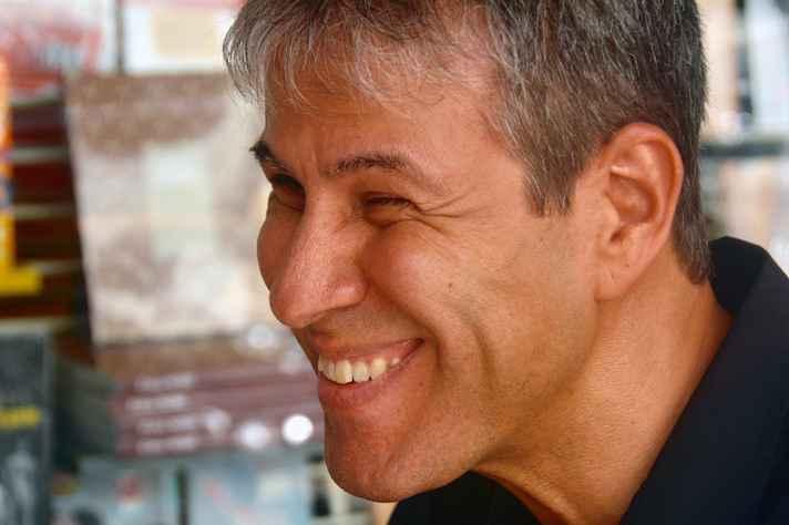 Flávio Oliveira: escritor é historiador e professora da rede pública em BH