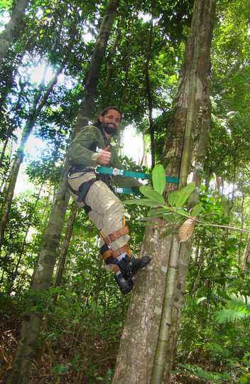 Danilo Neves em trabalho de campo na Floresta Nacional de Caxiuanã, na Amazônia paraense
