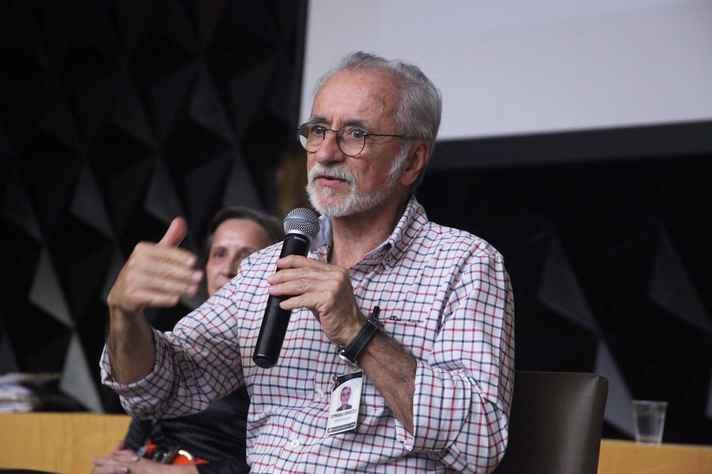 Dirceu Greco destaca que o Código de Ética Médica determina que profissionais observem práticas cientificamente reconhecidas