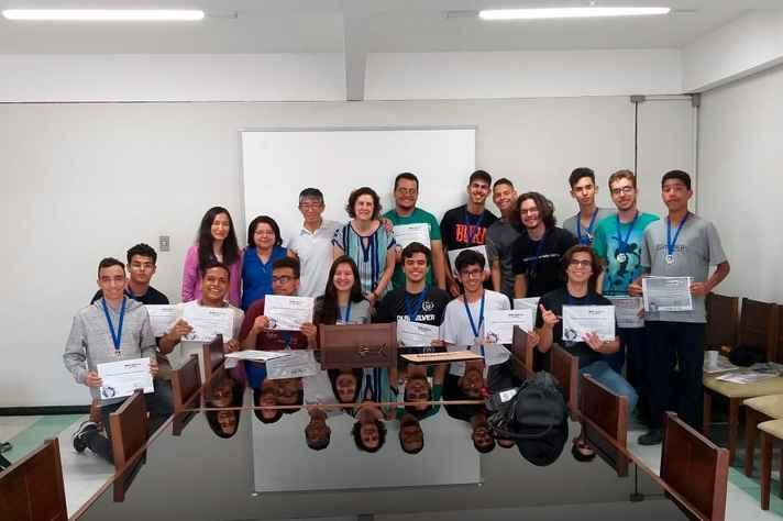 Estudantes premiados nas edições nacional e estadual da olimpíada