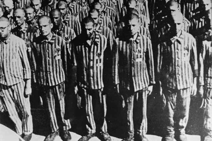 Prisioneiros do campo de concentração de Buchenwald em 1941.