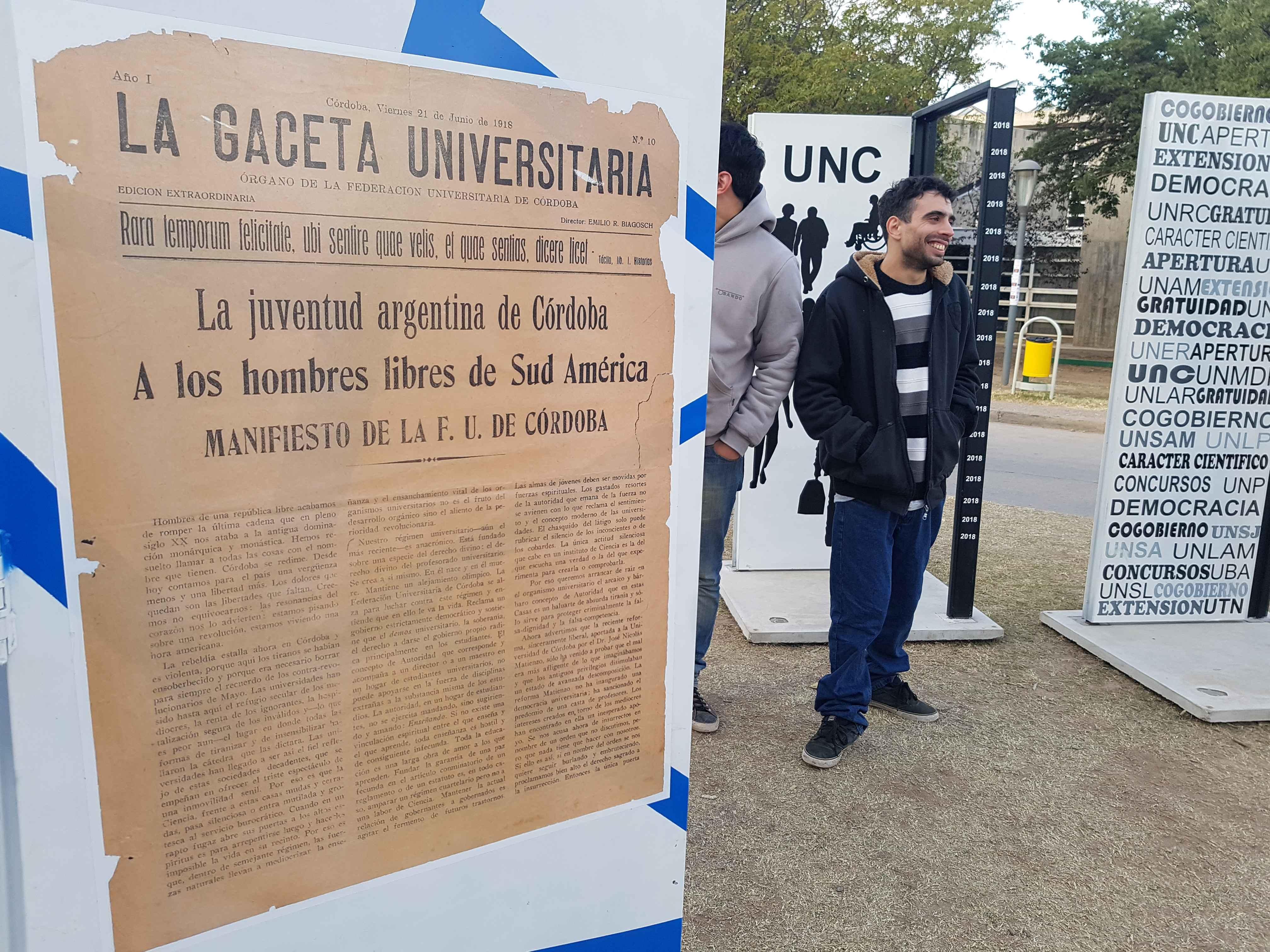 Painel no campus da UNC reproduz manifesto de 1918