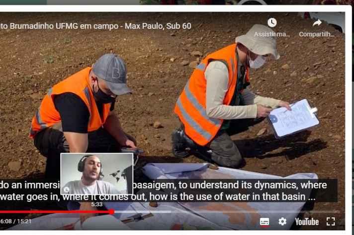 Professor Max (no quadro menor) coordena o projeto
