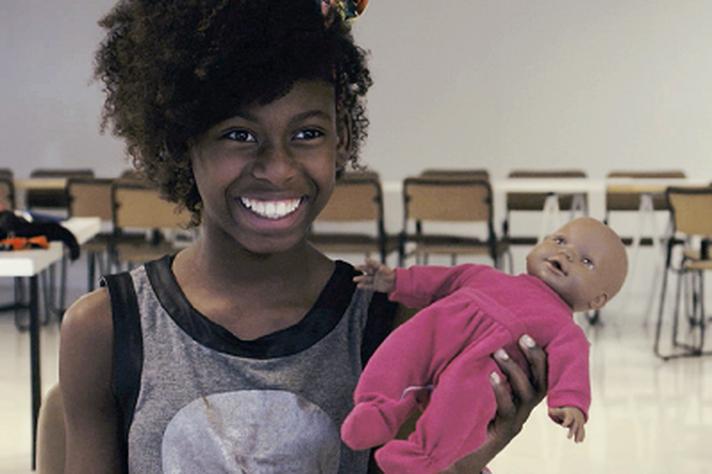 Documentário mostra trabalho das 'bonequeiras'