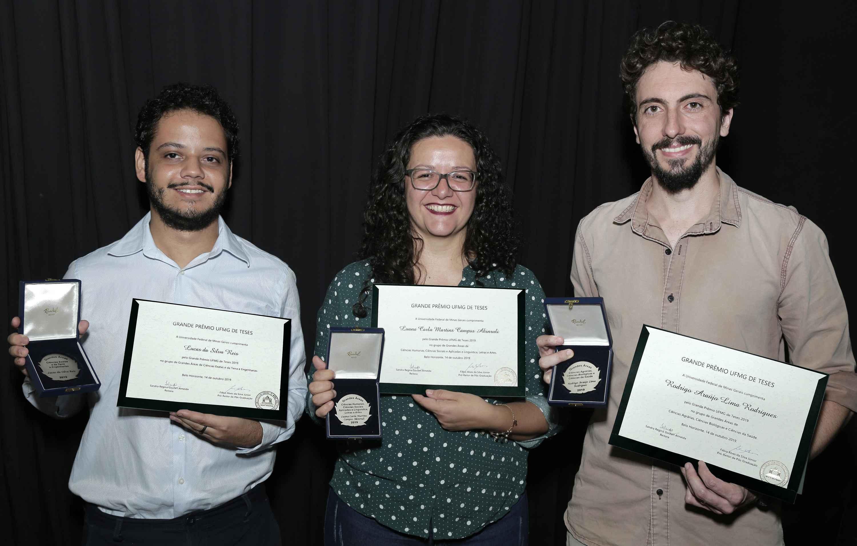 Pesquisadores do ICB, ICEx e Fafich conquistam Grande Prêmio de Teses