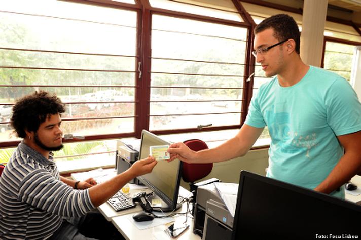 Carteira possibilita acesso às unidades acadêmicas, bibliotecas, restaurantes universitários e Centro Esportivo Universitário
