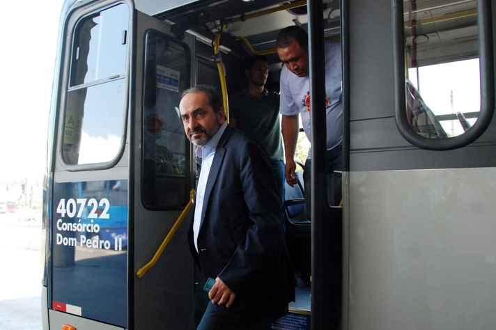 Prefeito de BH, Alexandre Kalil, garantiu que passagens de ônibus não serão reajustadas em 2020