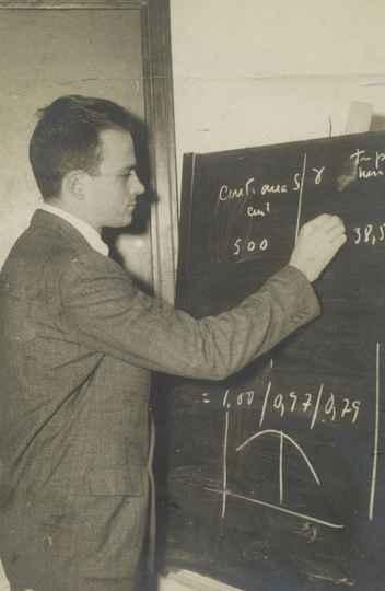 O físico brasileiro César Lattes, 1949