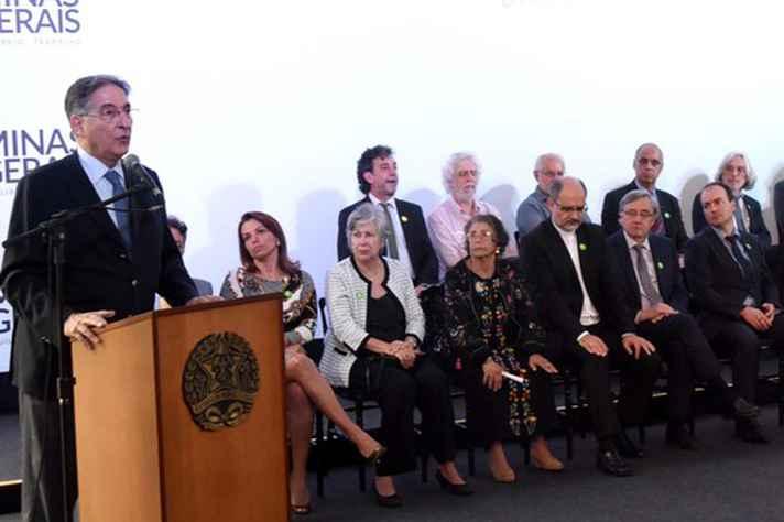 Durante a cerimônia, Pimentel destacou que o trabalho da Comissão vai servir para compor o acervo do futuro Memorial dos Direitos Humanos, que vai ser instalado no prédio onde funcionou a antiga sede do Dops