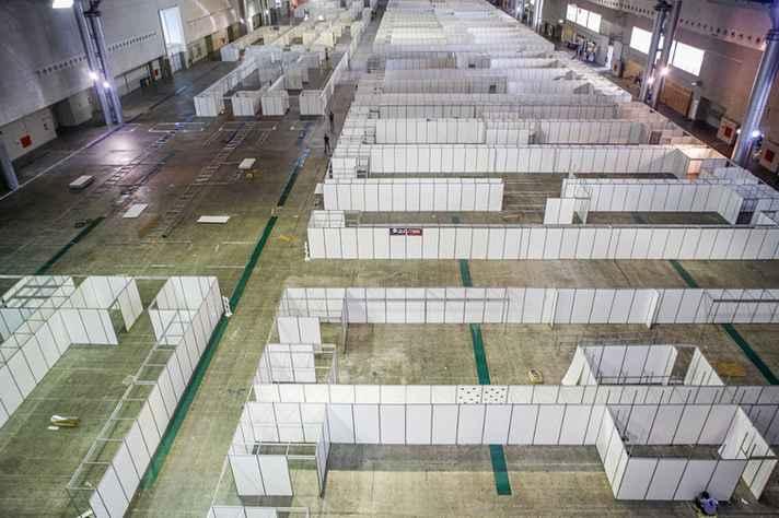 Hospital de campanha atualmente em construção no Expominas, em Belo Horizonte: capacidade para 800 leitos comuns e cem de UTI