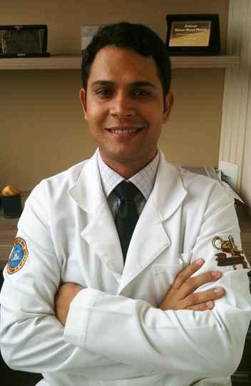 Professor Adriano Marçal Pimenta, da Escola de Enfermagem da UFMG é um dos coordenadores gerais do Cume