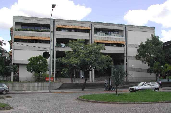 Fachado do prédio da Escola de Ciência da Informação (ECI)