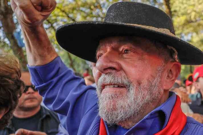 Ex-presidente Lula em caravana pelo Sul do país