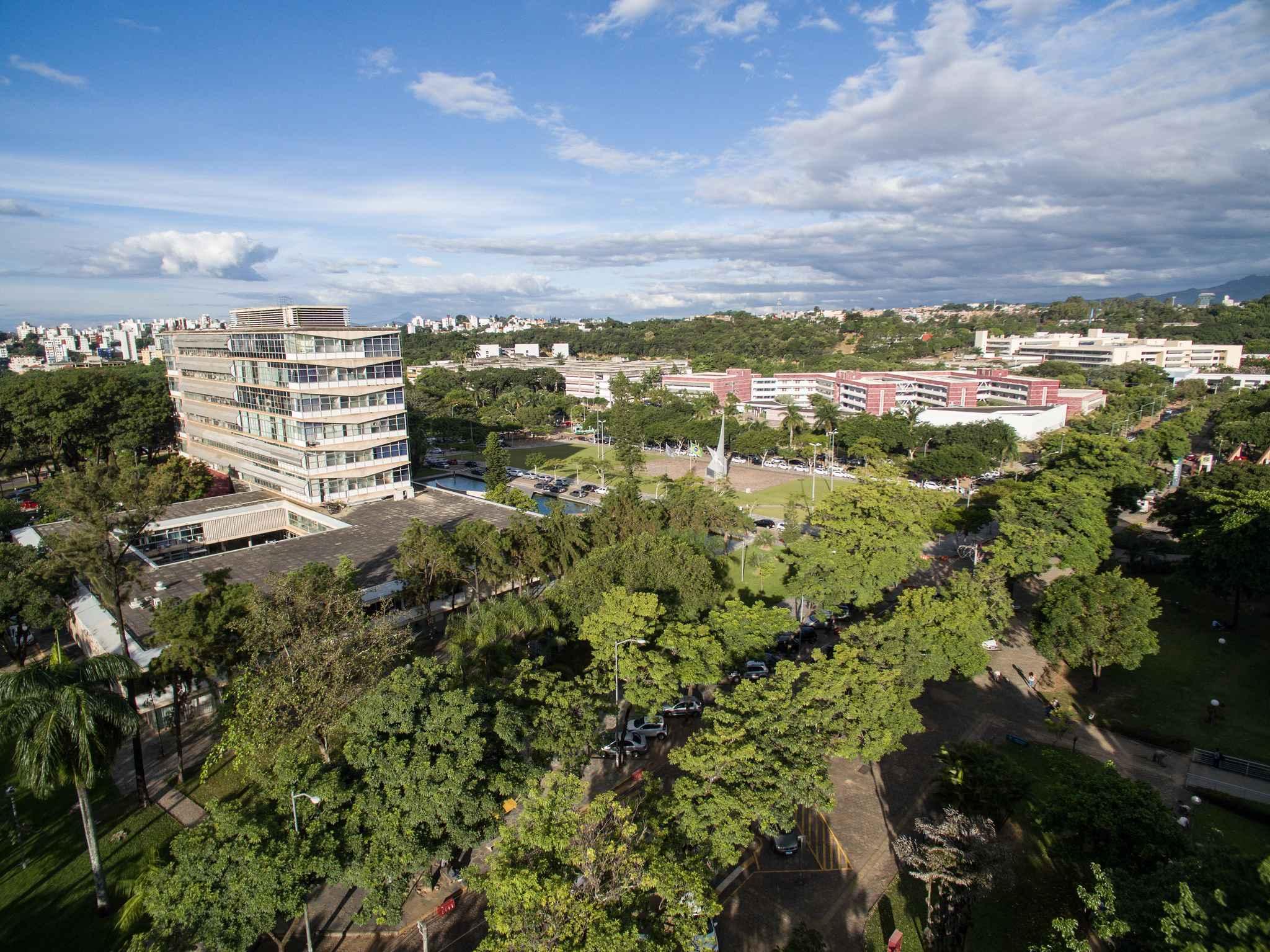 Vista aérea do campus Pampulha: atividades acadêmicas serão retomadas na segunda-feira, dia 4 de junho