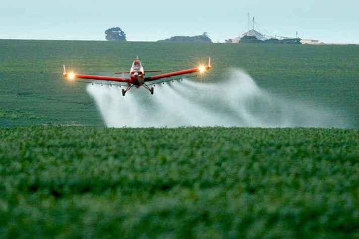 Governo Federal já liberou mais de 300 novos agrotóxicos neste ano