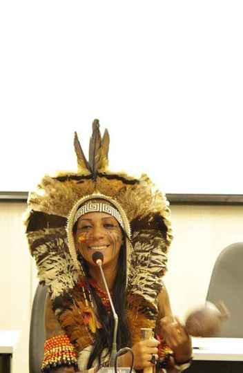 Avelin Buniaka, da etnia Kambiwá: escuta generosa