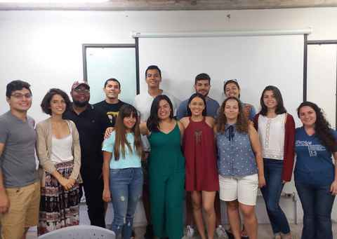 Turma de alunos estrangeiros do curso de português como língua adicional