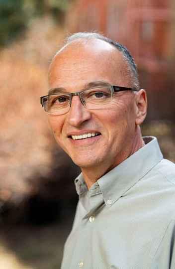 José Nelson Amaral lidera o Laboratório de Design e Otimização de Compiladores da Universidade de Alberta