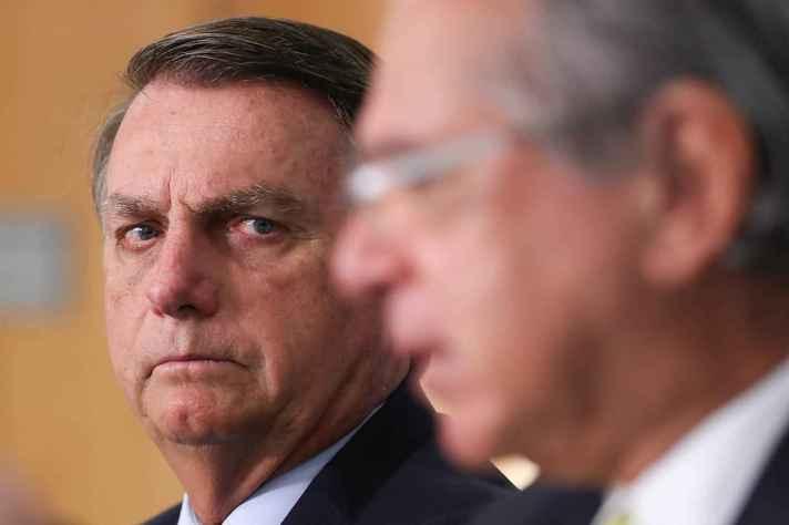 Jair Bolsonaro tem trabalhado para facilitar uso de armas no país