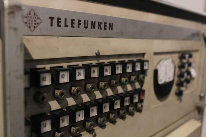 Detalhe de computador analógico eletrônico usado, entre as décadas de 1950 e 1970, na Escola de Engenharia