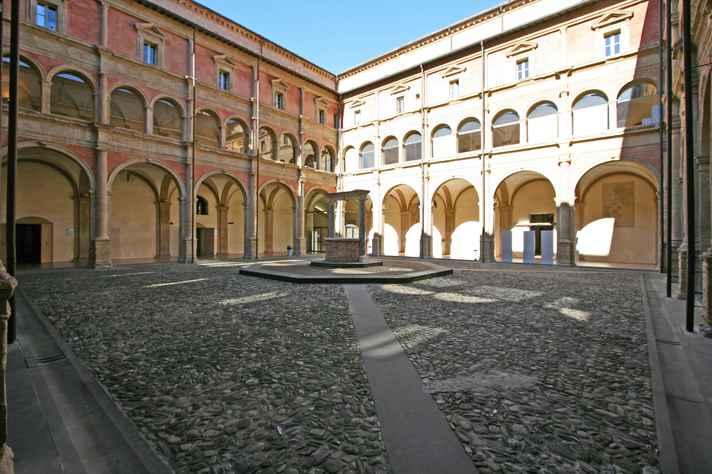 Universidade de Bolonha (Itália) é uma das 138 instituições parceiras que vão receber alunos da UFMG