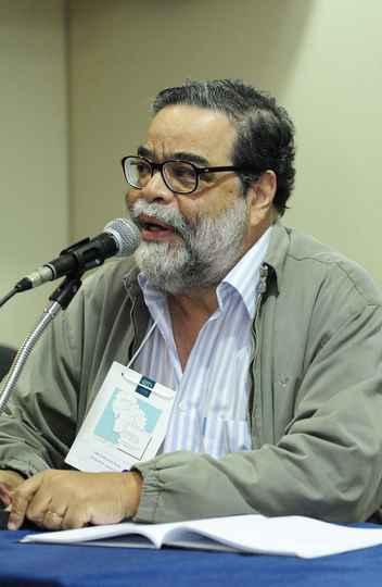 João Antônio de Paula abordou a questão da moradia do ponto de vista da história e da economia