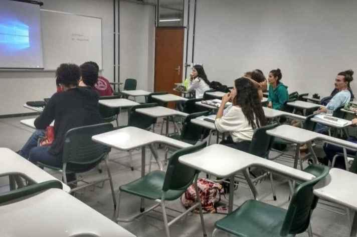 Aulas visam preparar estudantes para participar de atividades com foco acadêmico