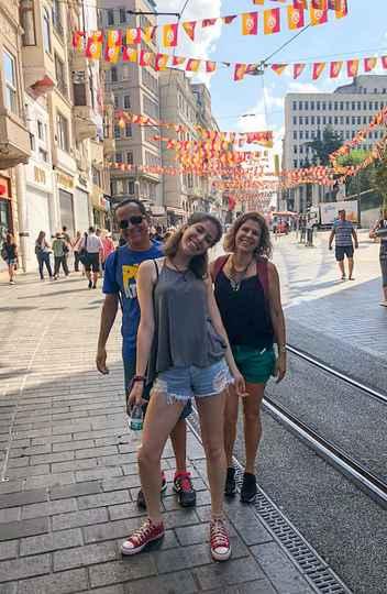 A família Martins: Roger, Gabriela e Ursula