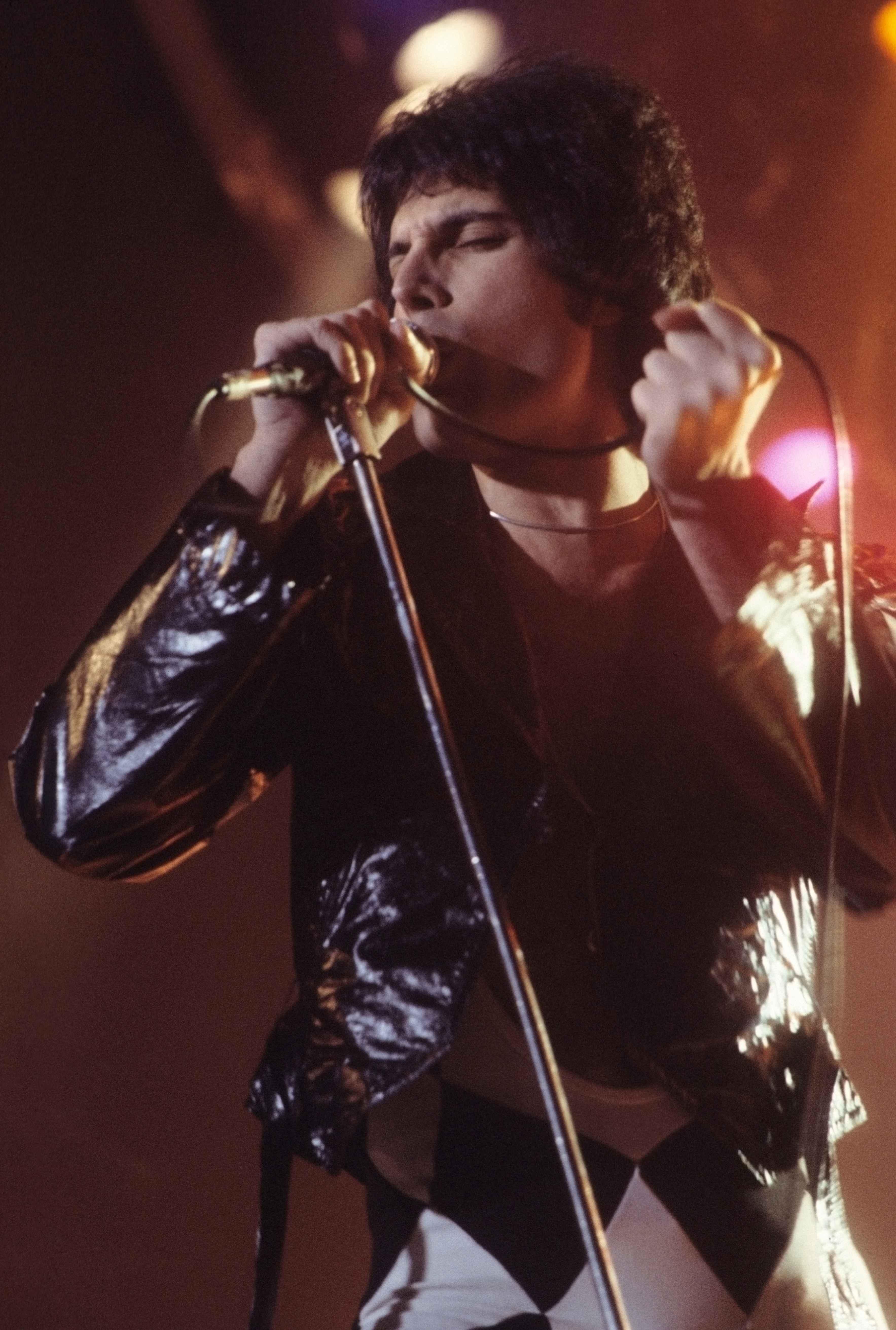 Freddie Mercury em 1977.