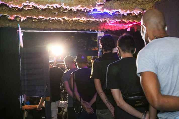 Denúncias de festas clandestinas no país têm aumentado