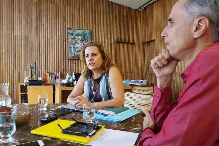 Sandra Almeida e Alessandro Fernandes: ensino em sintonia com as demandas da sociedade