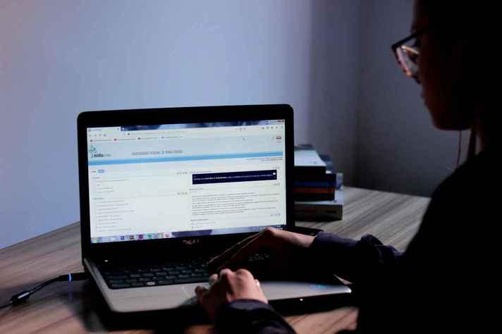 Isolamento social casou aumento do uso da tecnologia em casa