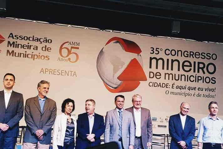 Pré-candidatos durante Congresso Mineiro de Municípios