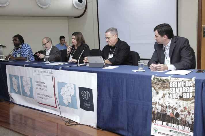 Priscila Brandão coordenou mesa que debateu violência e espaço urbano