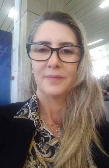 A professora Maria Celi Vasconcelos é uma das pioneiras nos estudos sobre ensino domiciliar no Brasil